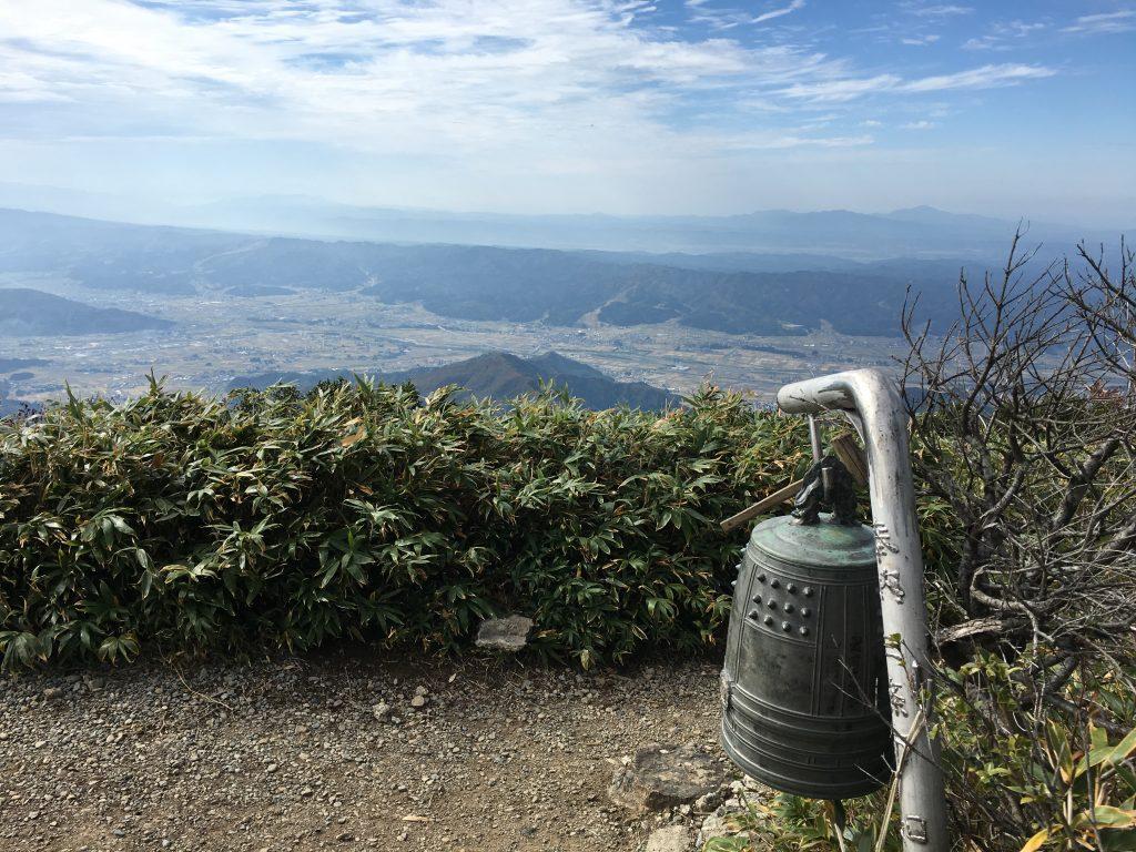 薬師岳山頂の鐘