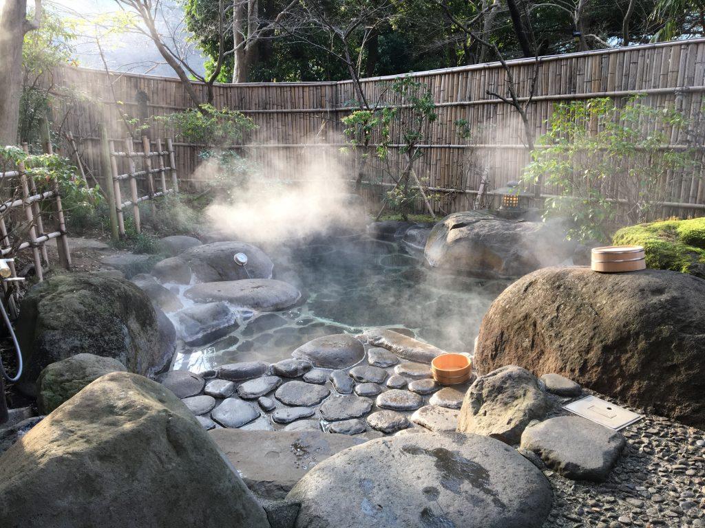 木洩れ日の湯の風呂釜