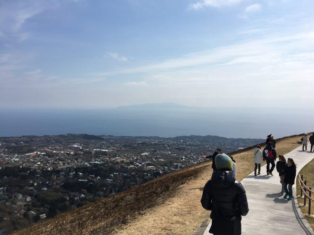 大室山と伊豆大島