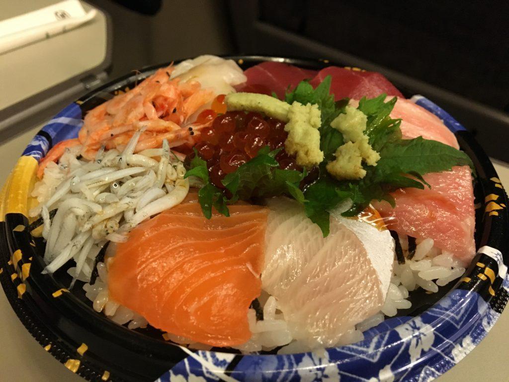 熱海駅の海鮮丼