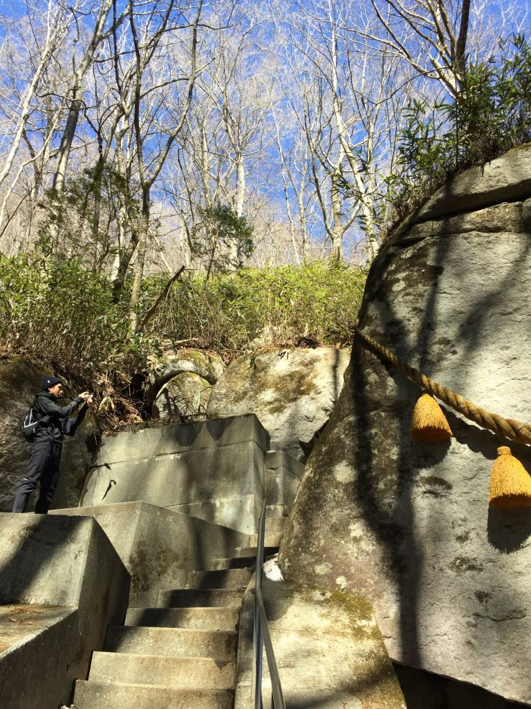 石割神社の巨石