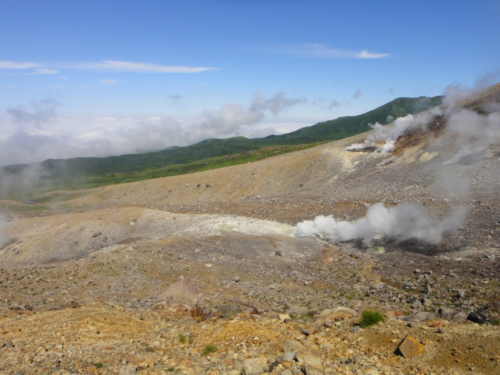 登山道から噴煙