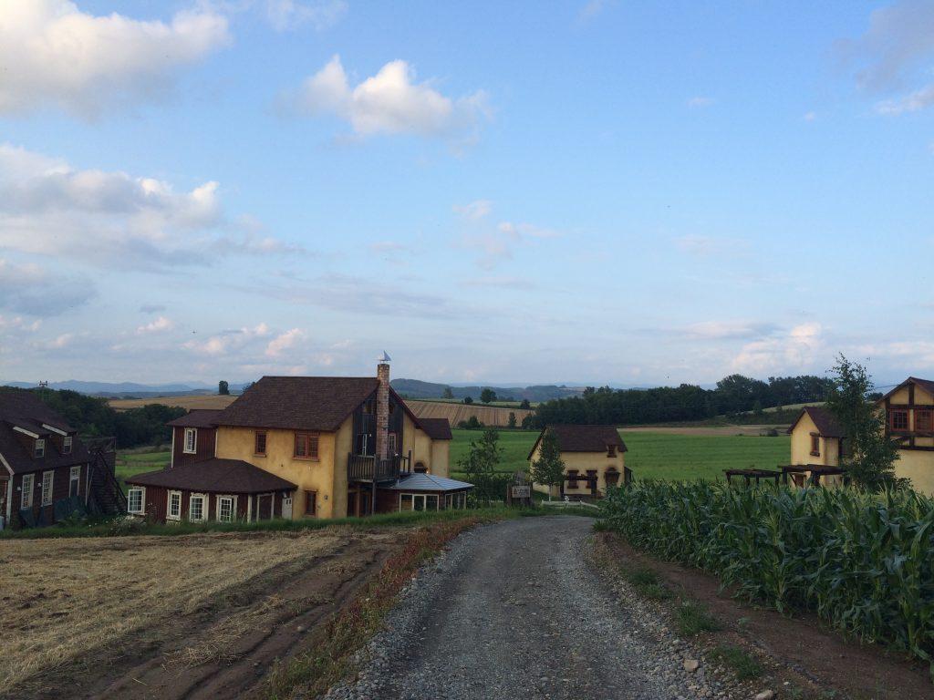 スプウン谷のザワザワ村の風景