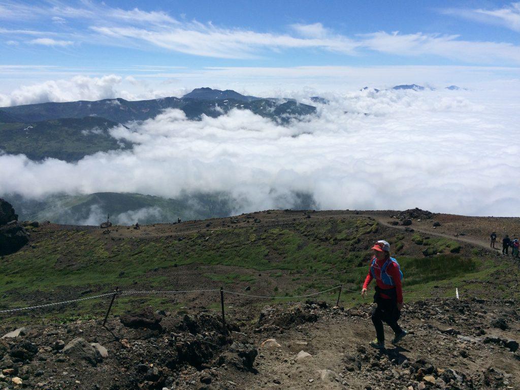 旭岳の雲海と青空