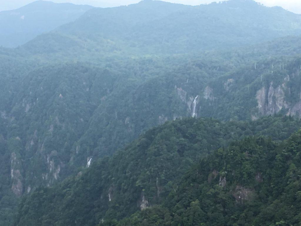 大蛇嵓から眺める滝