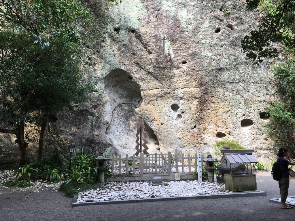 花の窟の社