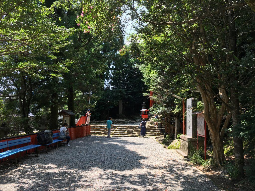 神倉神社境内