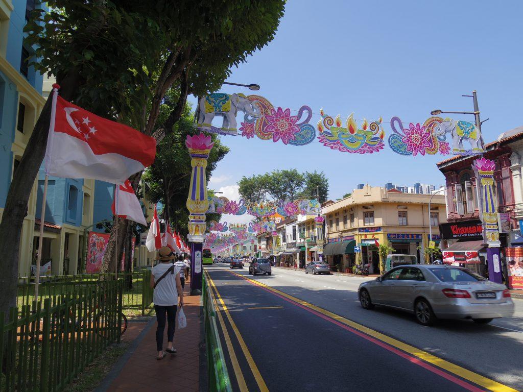 色鮮やかなストリート