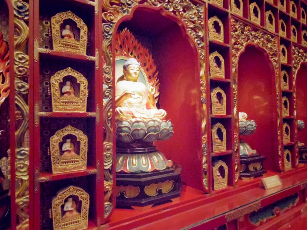 たくさんの仏像