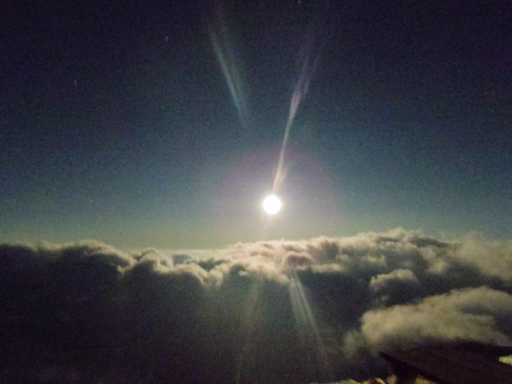 燕山荘からの月