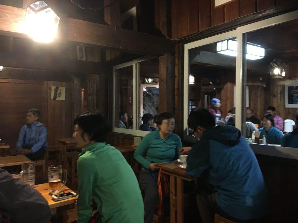 燕山荘の喫茶室