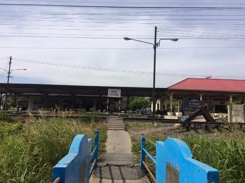 アユタヤ駅の裏側