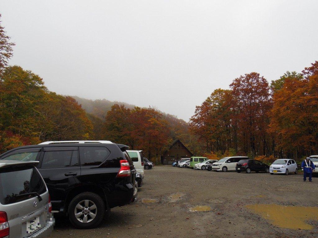 八方台登山口駐車場