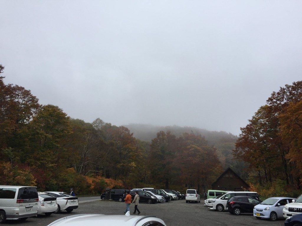 八方台登山口駐車場全体