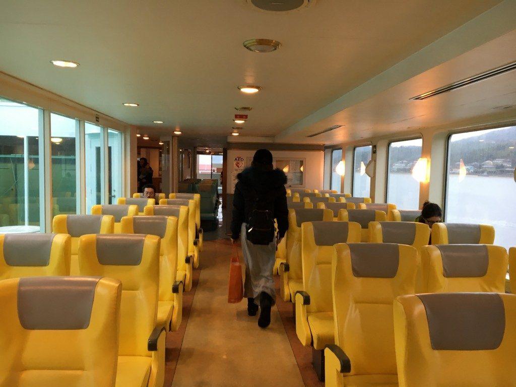 黄色い客席