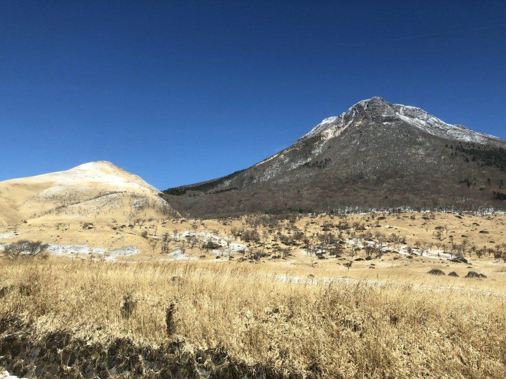登山口から由布岳