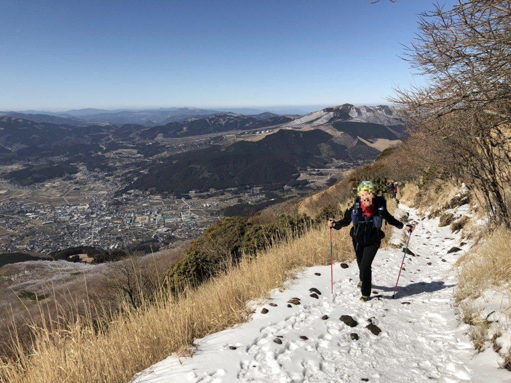 雪のトレイル由布岳