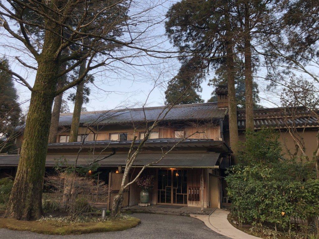 朝の亀の井別荘