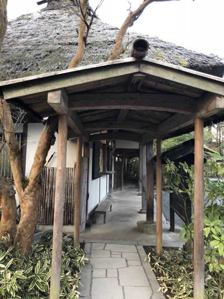 亀の井別荘の廊下