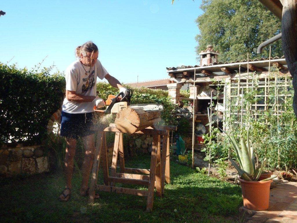 薪をカット