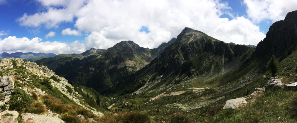 雄大な山脈