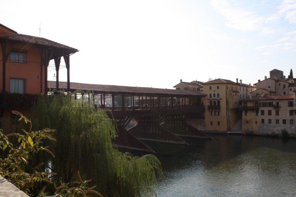 工事前のアルピニ橋