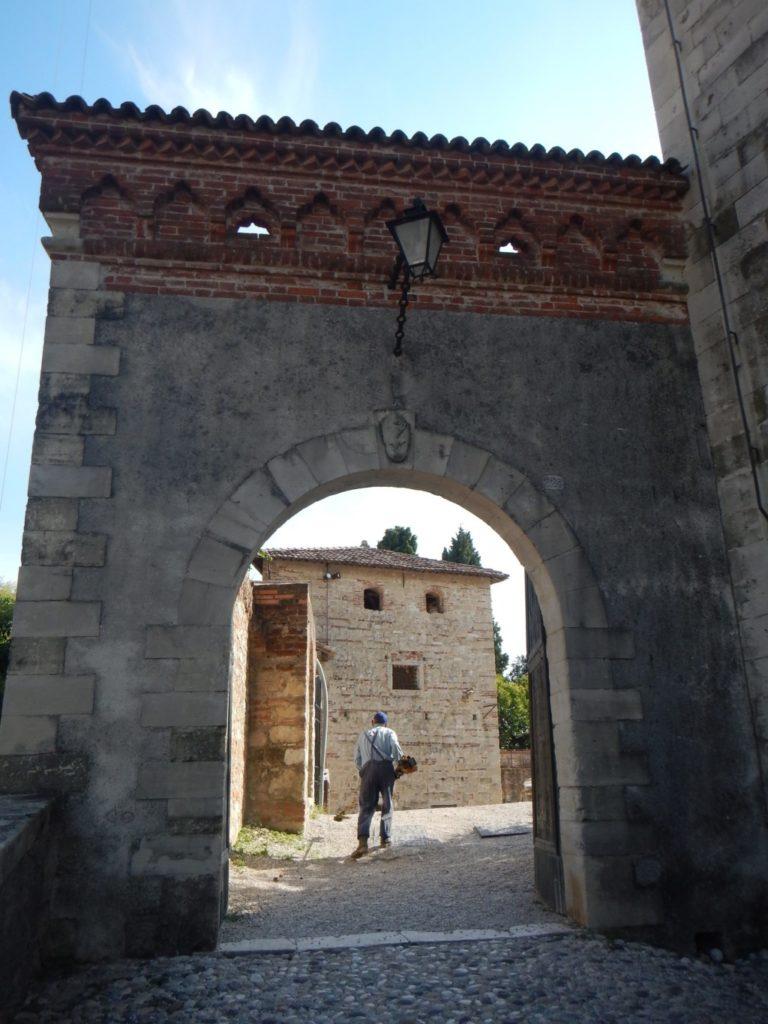 アゾーロ城
