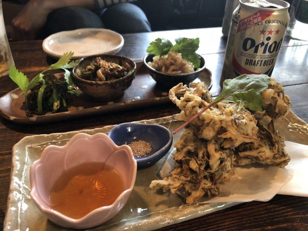もずくの天ぷらとオリオンビール