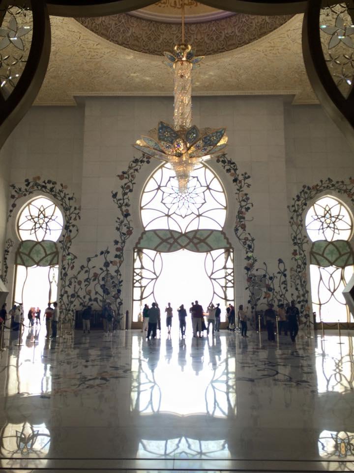 巨大ステンドグラス