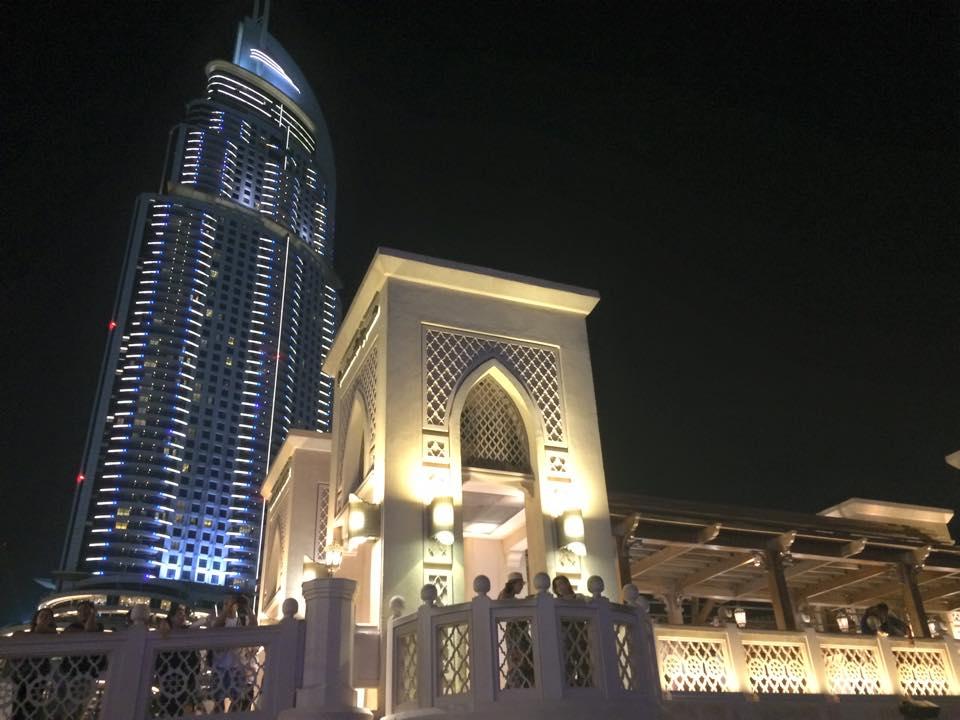 ドバイタワーの渡り廊下