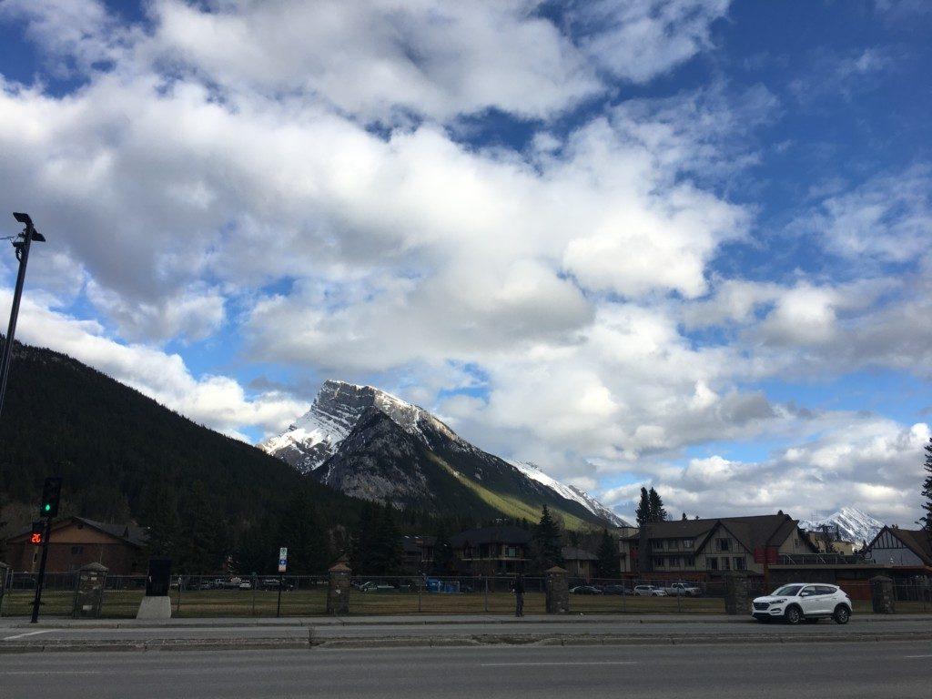 Banff Avenue沿いからの景色