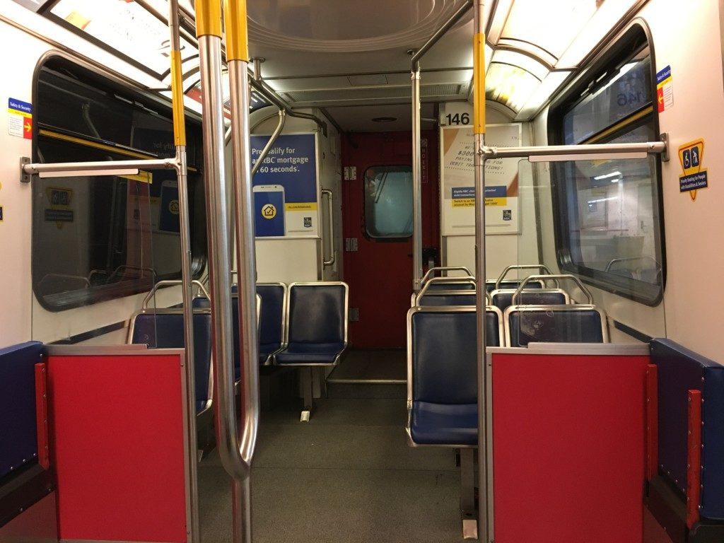 Sky Train,Expo Lineの車内