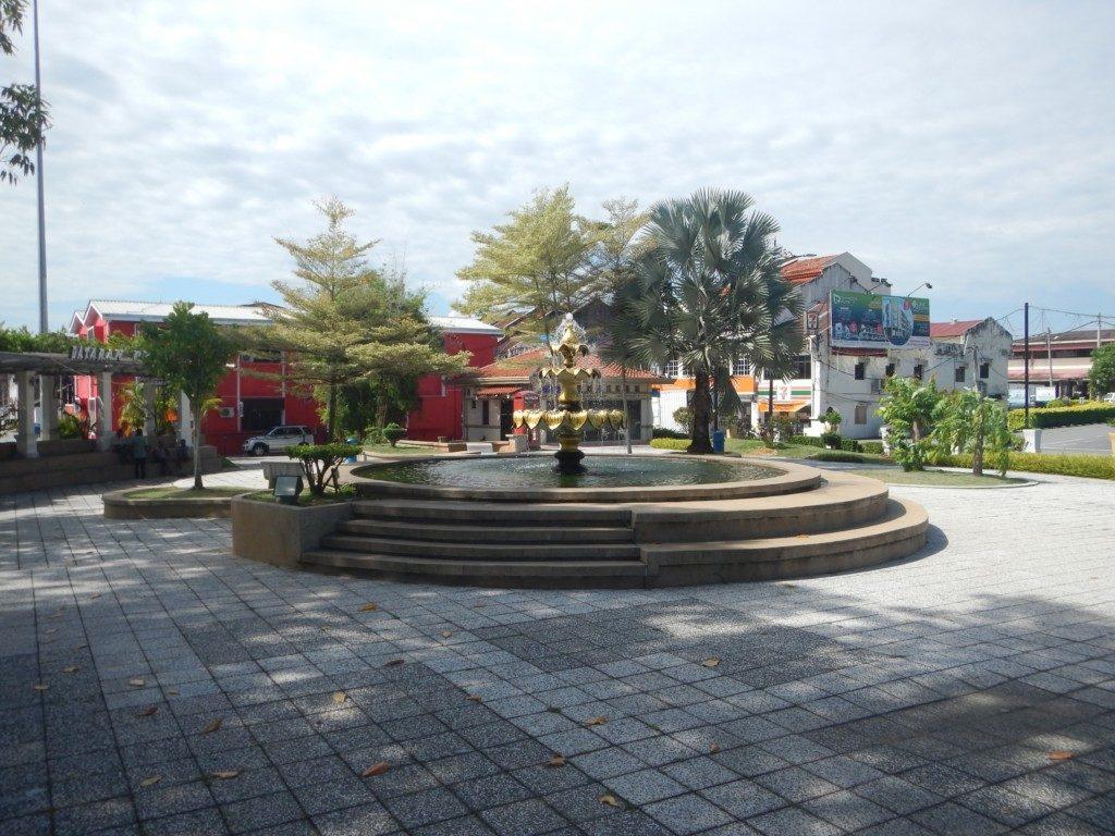 噴水とモスク