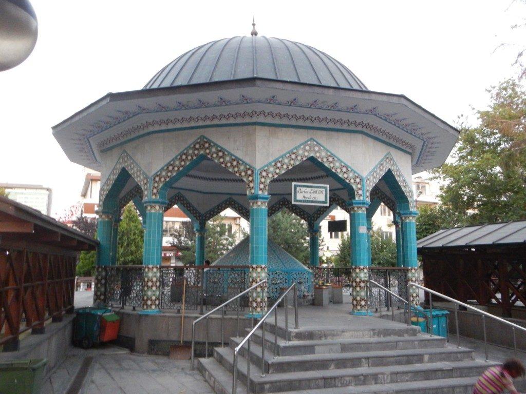 モスクの足洗い場