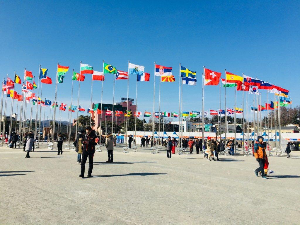 平昌オリンピックのボランティア国旗掲揚場所