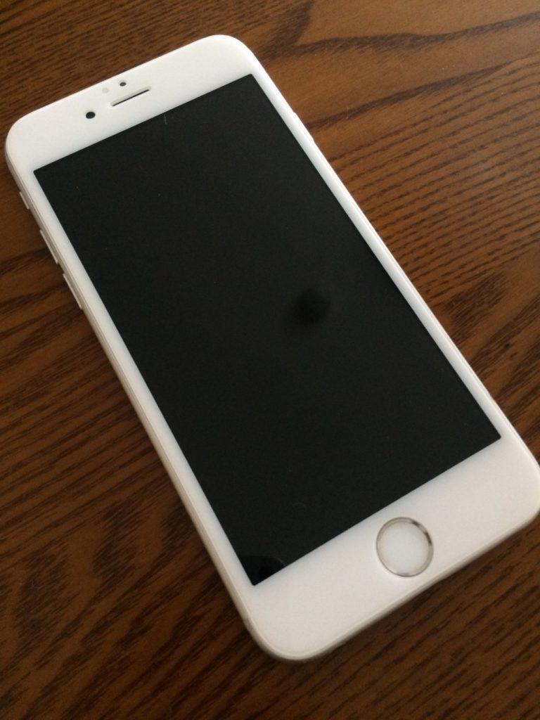 修理に出したアイフォン