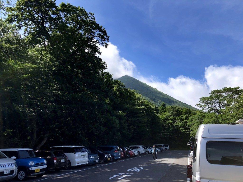 駐車場からの大山