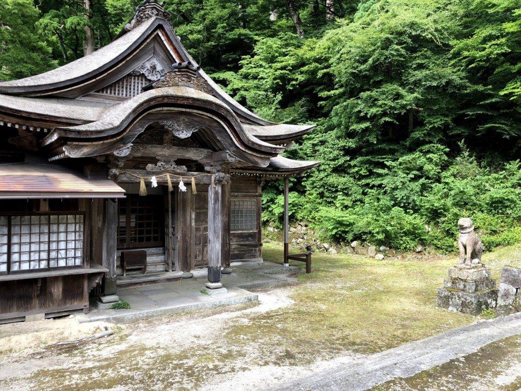 下山神社本殿