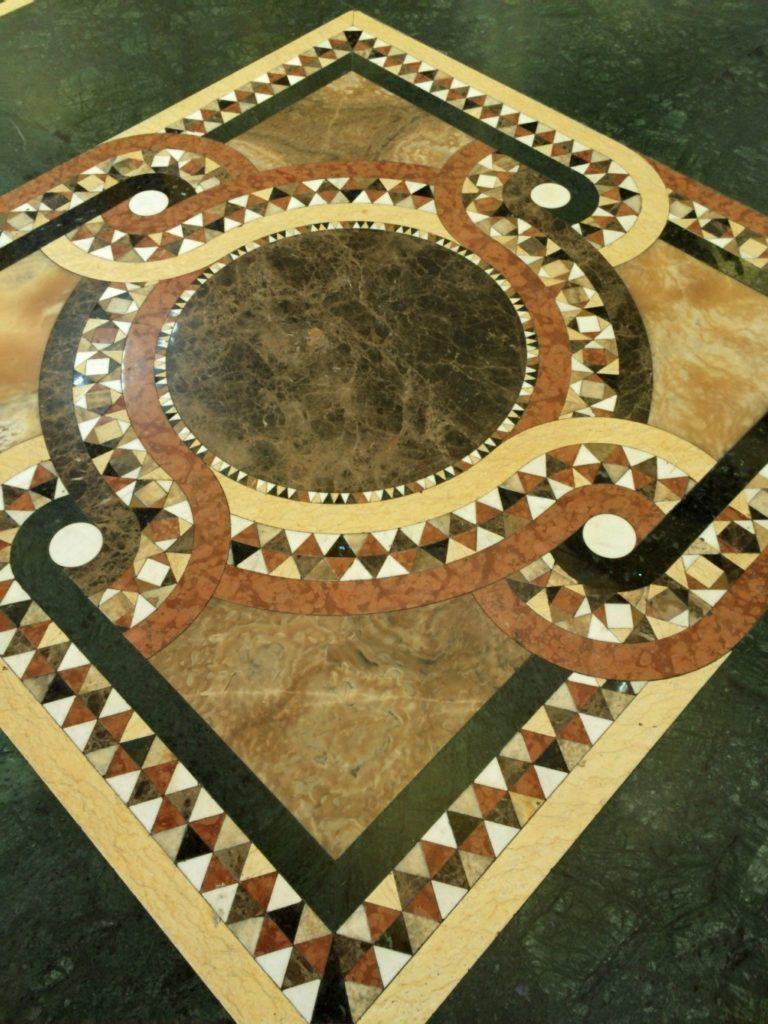 教会の絨毯