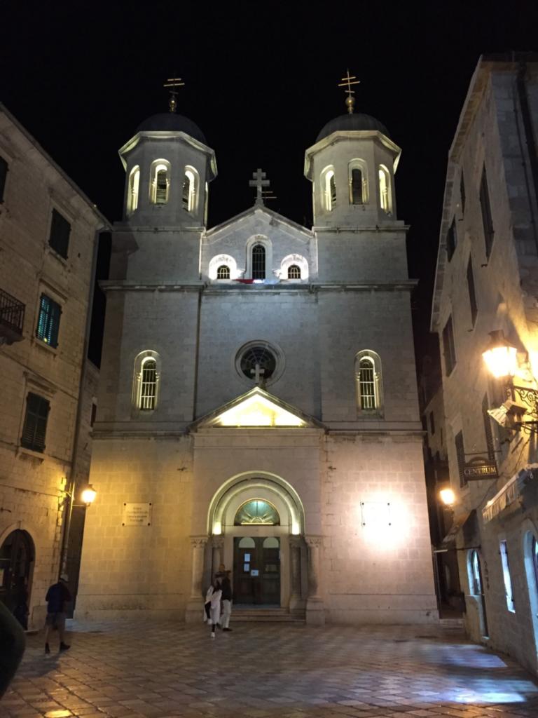聖ニコラ教会のライトアップ