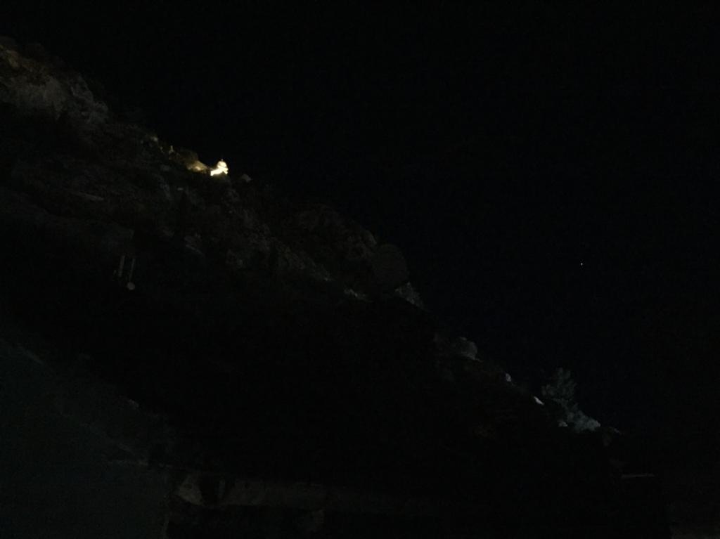 夜のコトル城
