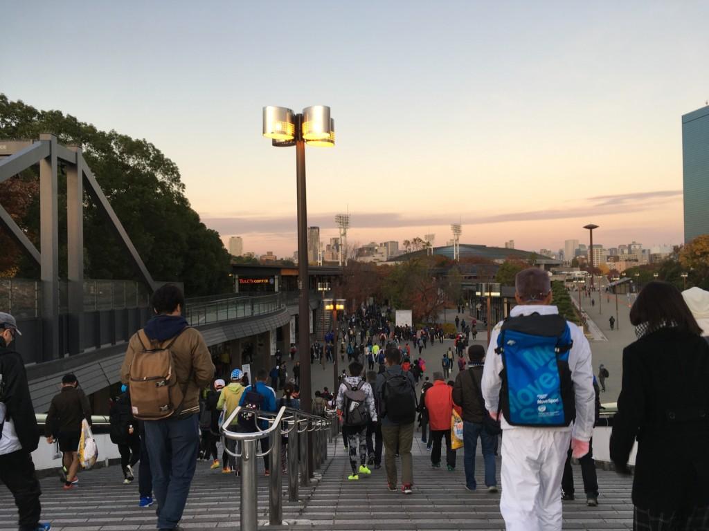 大阪城公園駅前